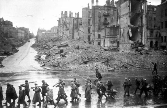На Крещатике после освобожения Киева, 1943 год