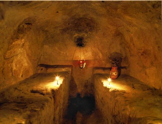 Келия в пещерах