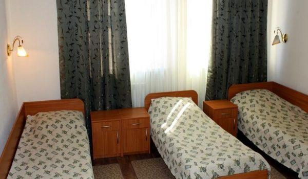 номер в недорогой гостинице