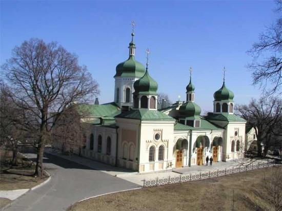 На территории Ионинского монастыря