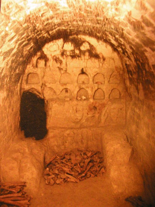 Древние пещеры в урочище Церковщина
