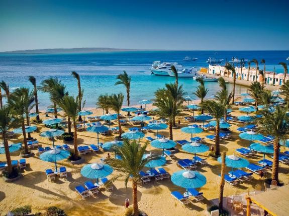 Один из пляжей на морском побережье Египта