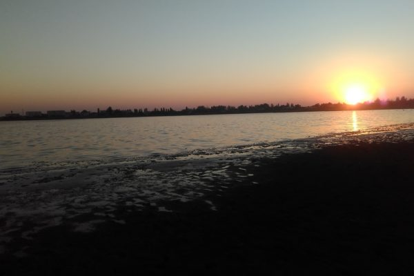 Закат на озере Соляном